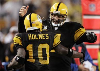 Santonio Holme and Ben Rothlisberger celebrate