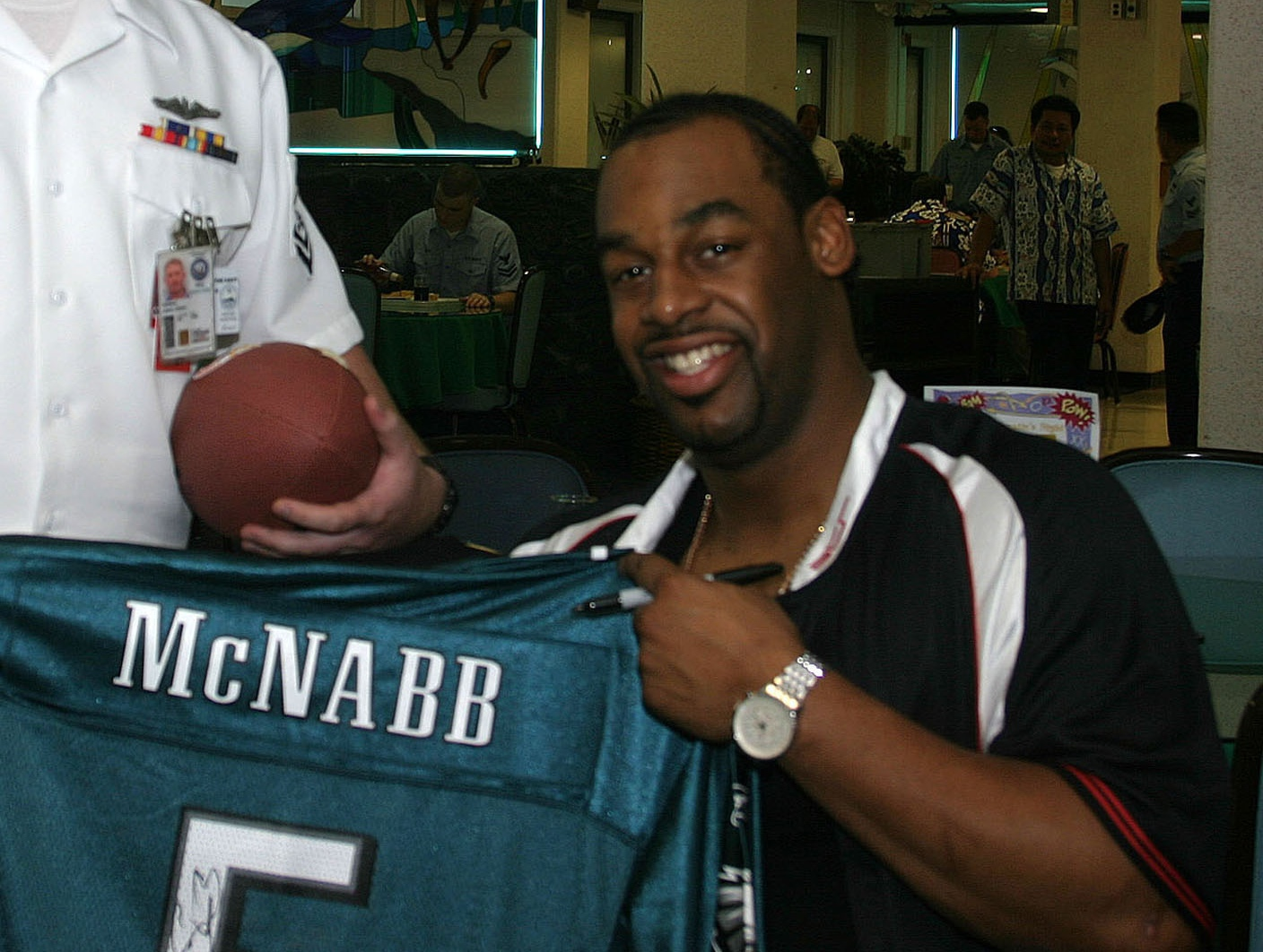 donovan mcnabb signing McNabb, has always needed more respect from philly fans