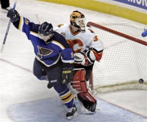 blues score 300x250 No Crying the Blues in St. Louis/Columbus